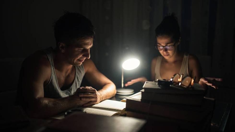 Estudiando a oscuras